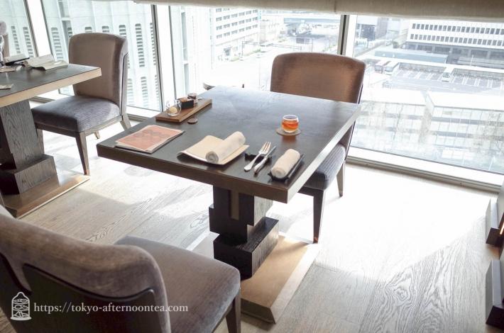 フレンチレストラン「モティーフ」フォーシーズンズホテル丸の内 東京
